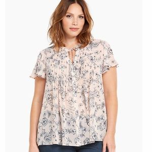 Torrid Pink floral print pleated tie front blouse